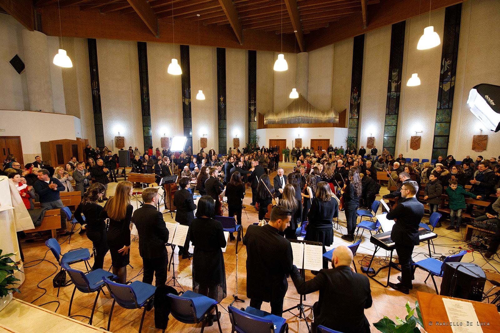 Incanto ed entusiasmo per l'esibizione dell I.M.A allo Spirito santo di Avezzano