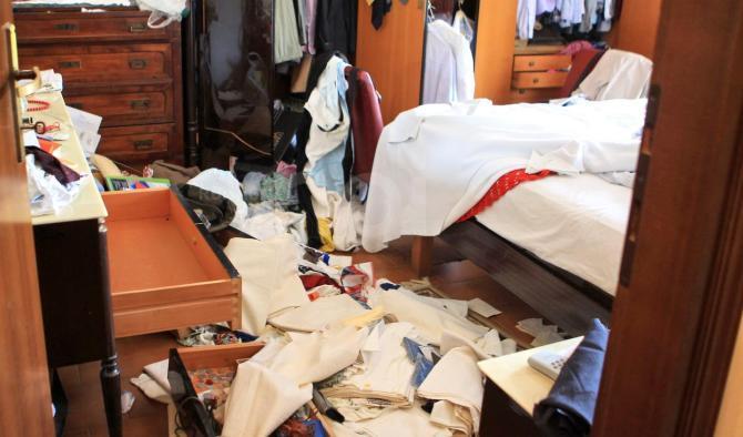 Furto in casa di un'imprenditrice di Avezzano, le telecamere del vicino riprendono le due ladre
