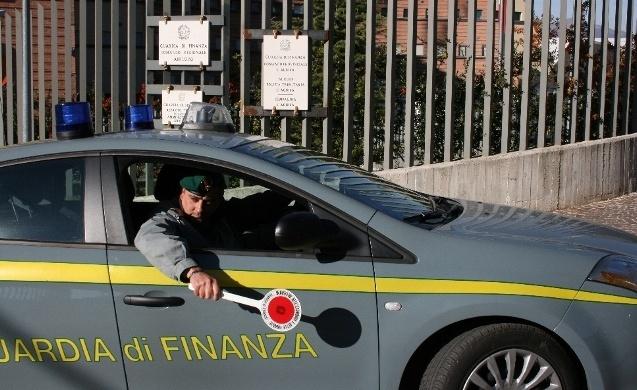 Evasione fiscale: sequestrati 375 mila euro a imprenditore