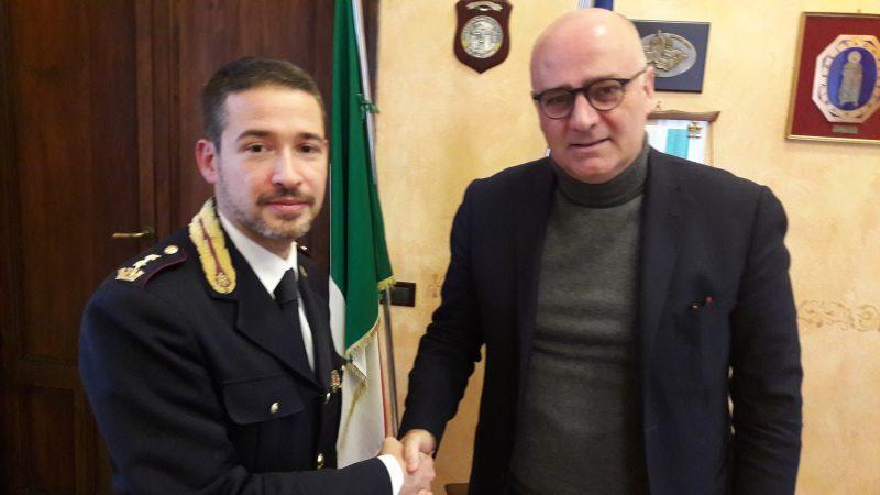 Il dirigente Gennaccaro lascia il commissariato di Avezzano, il saluto del sindaco De Angelis