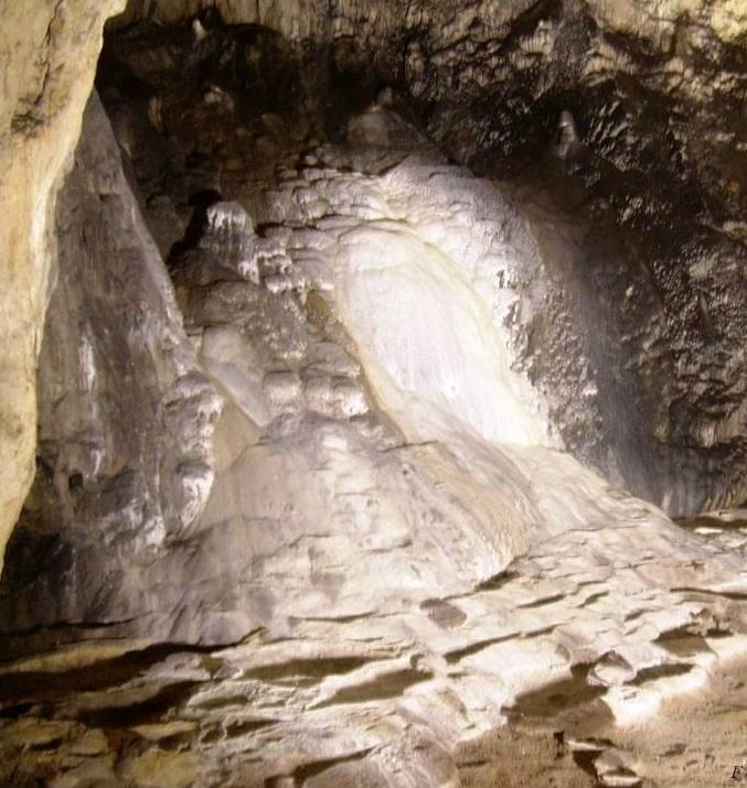 Le grotte e i loro misteri