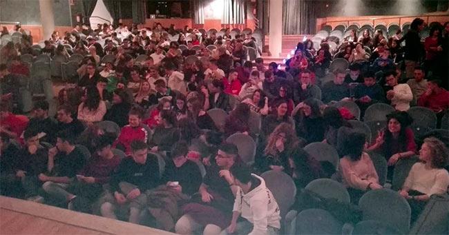 Grande successo di Cristicchi ad Avezzano, la soddisfazione di Lino Guanciale
