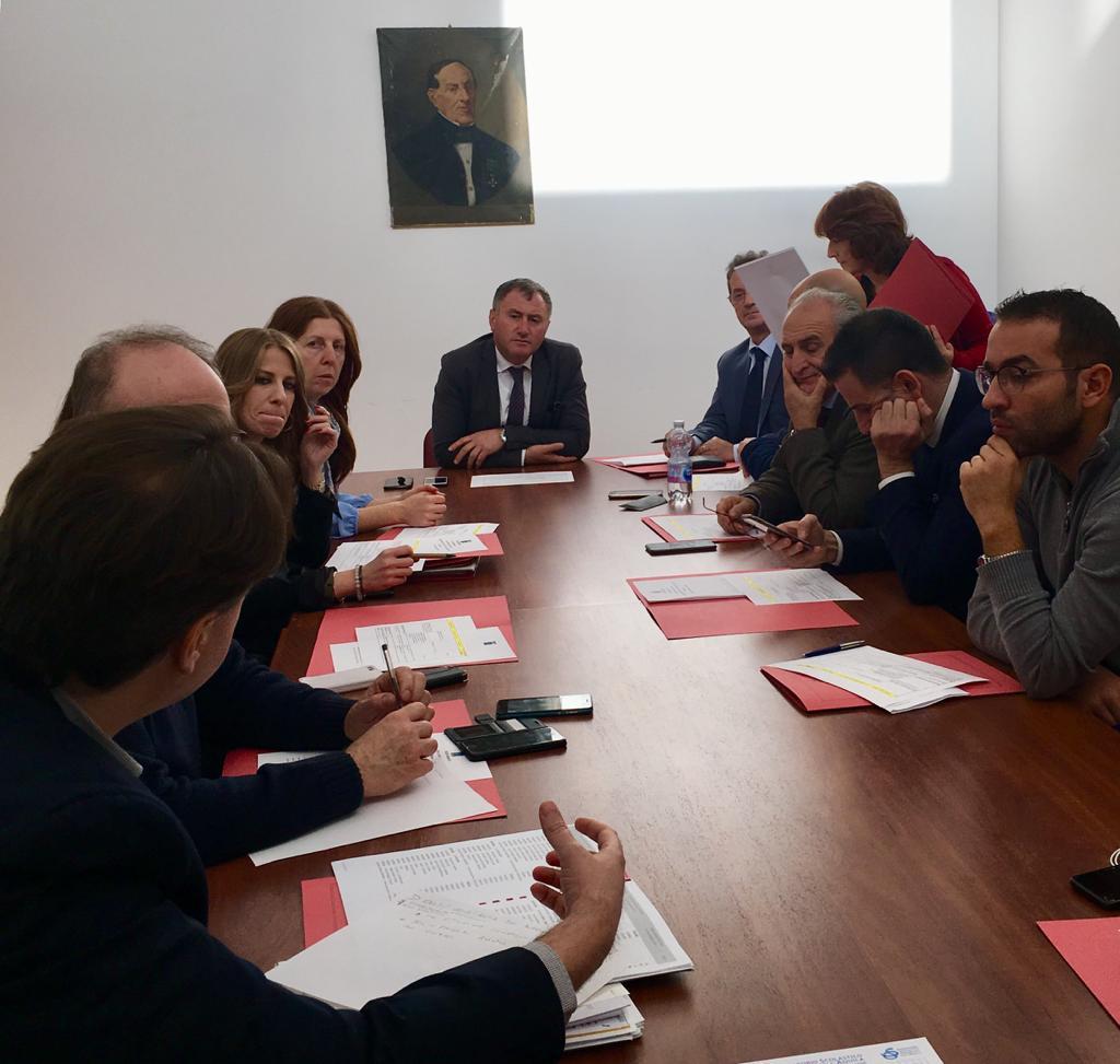Il Presidente, Angelo Caruso, incassa la fiducia dell'Assemblea dei Sindaci della Provincia dell'Aquila