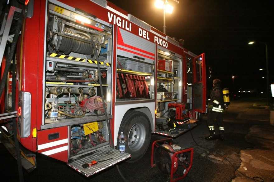 Abitazione in fiamme: forse era stata occupata da qualche 'disperato'
