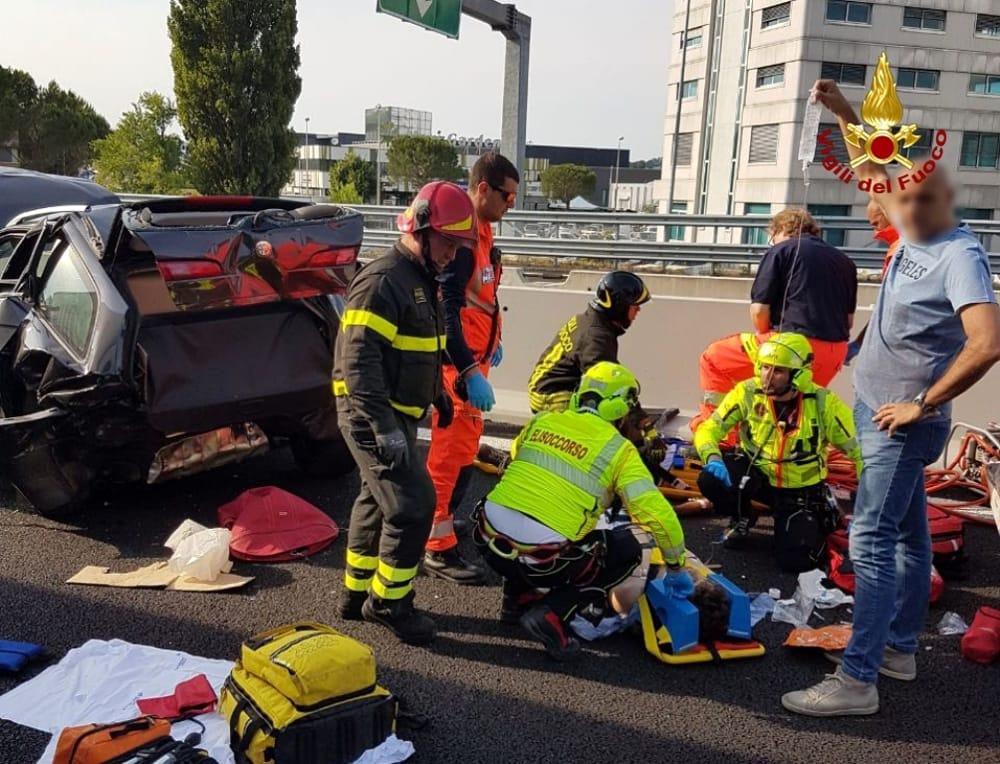 Grave incidente stradale sulla A/14, ferita una famiglia marsicana. Il figlio di 22 anni è in condizioni molto gravi