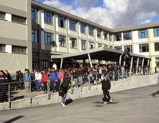 """L'Istituto """"Galileo Galilei"""" di Avezzano è al primo posto fra gli istituti tecnici di ogni indirizzo della provincia dell - Terre Marsicane"""