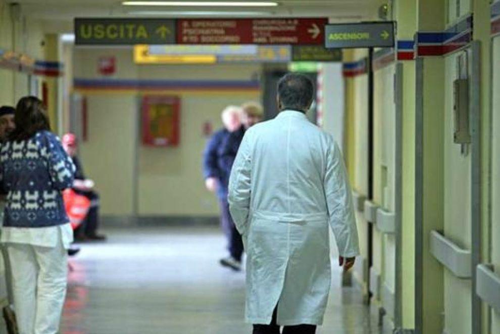 È morto il 94enne rimasto coinvolto nell'incidente a Petrella Liri. Per il parroco di Castellafiume si prefigura l'omicidio colposo