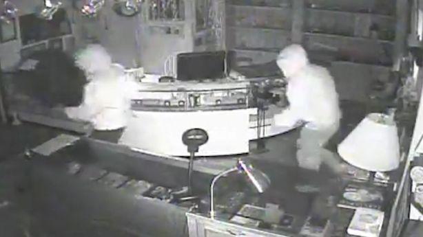 Carsoli, i ladri prendono d'assalto quattro imprese artigiane