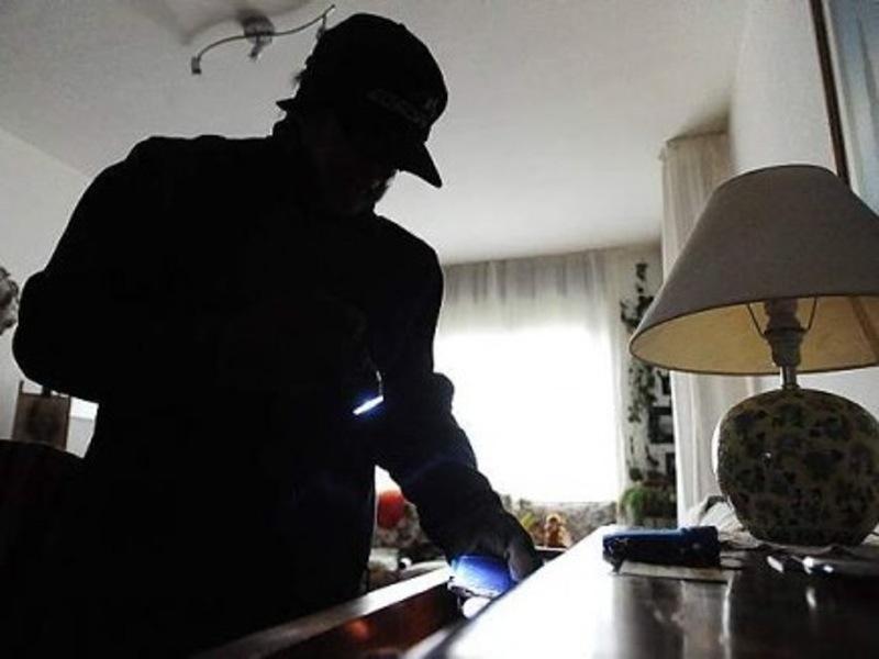 Colpo grosso a Tagliacozzo: ladri fuggono con oro e gioielli