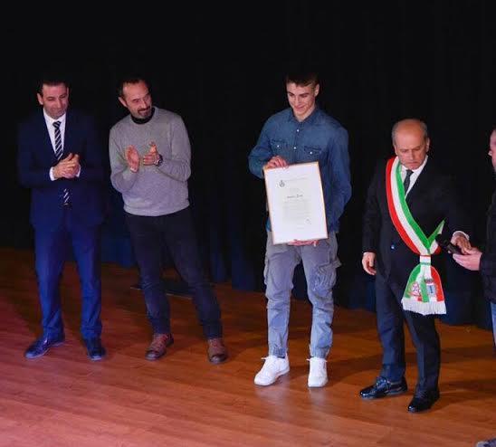 Amedeo Sauli riceve l'encomio per meriti sportivi dal Comune di Civitella Roveto