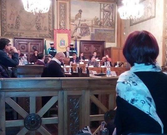 Consiglio comunale, una targa in memoria di Franco De Nicola