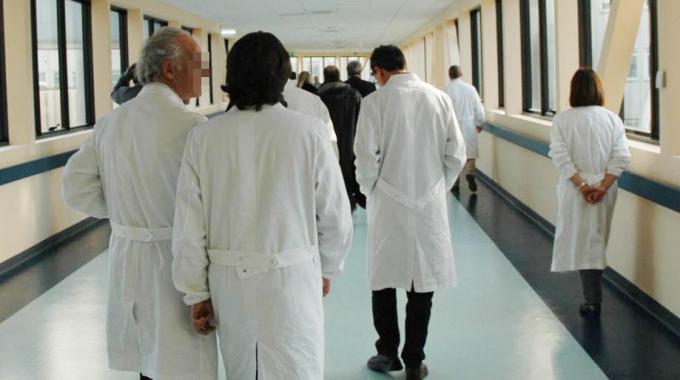 Asl concorsi per l'assunzione di 7 medici, 5 per neonatologia e 2 per pediatria