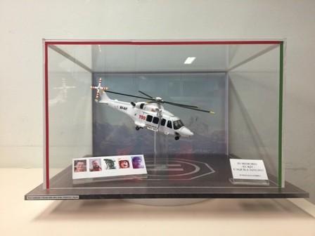 Da Lecco a L'Aquila per regalare al 118 il modellino dell'elicottero precipitato