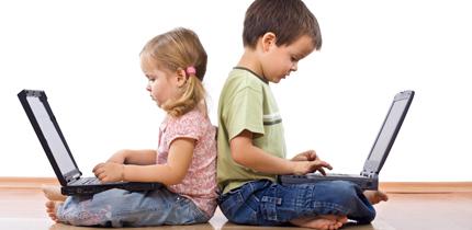 Nativi digitali, sempre più stimoli per i piccoli da internet e pc. Se ne parla in un convegno