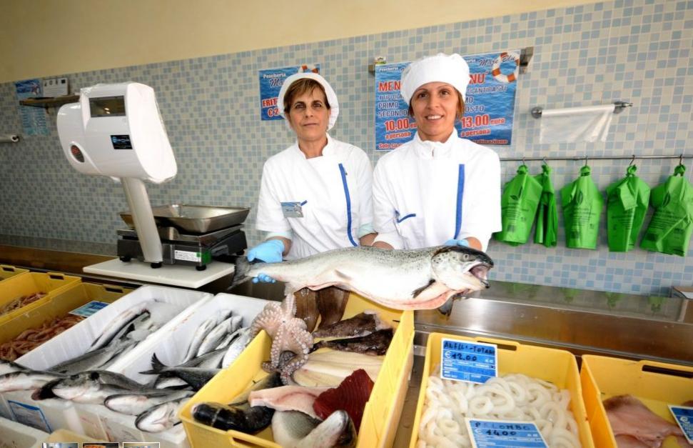"""Ad Avezzano """"Mare Blu"""" inaugura la nuova attivita' di pescheria e gastronomia"""