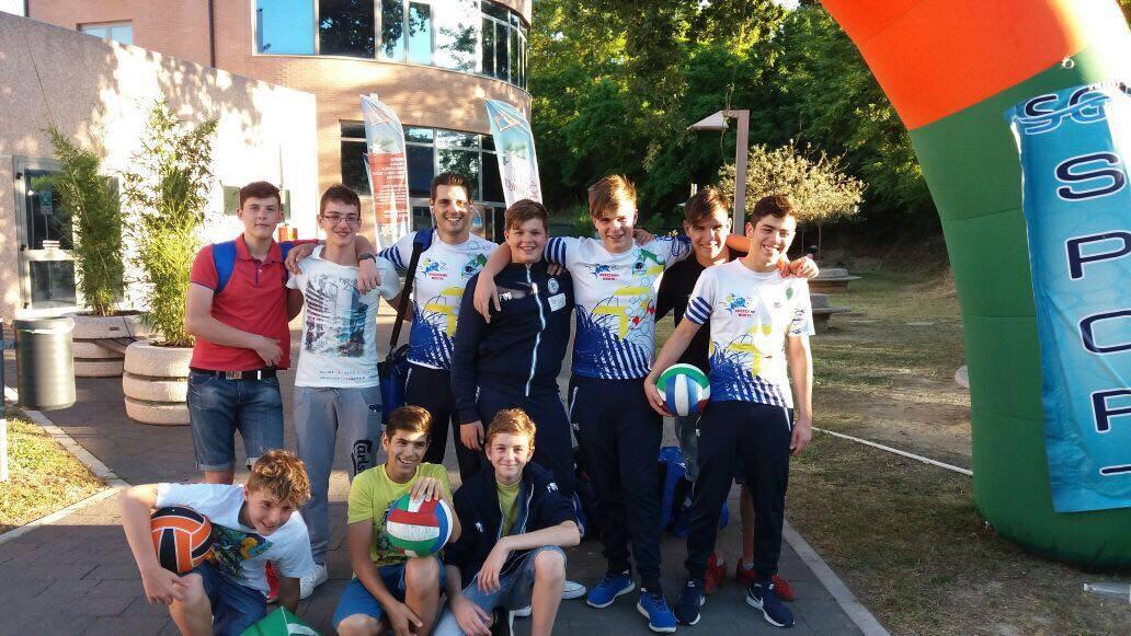 L'Avezzano Nuoto Under 15 si classifica terza al campionato regionale a Pescara