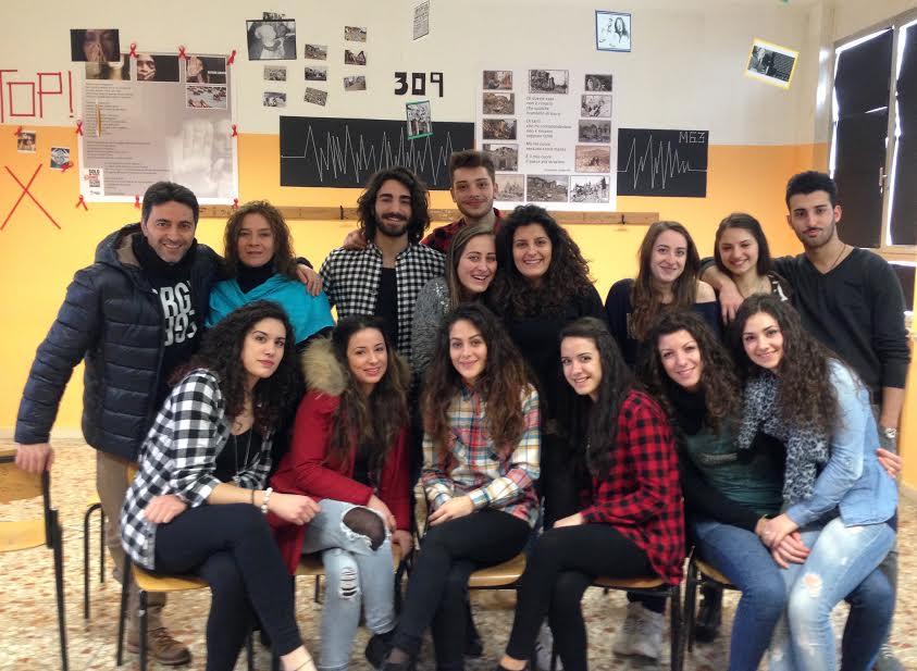 """Gli alunni del V° B del B del Liceo Statale """"B. Croce"""" di Avezzano e Corrado Oddi nella Settimana delle Scienze Umane"""