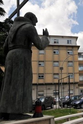 A Tagliacozzo momento religioso in occasione dei 15 anni dalla santificazione di Padre Pio
