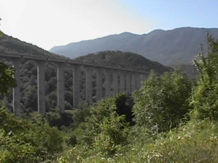 A24, verifiche viadotti. Scattano le limitazioni al traffico pesante tra Lazio e Abruzzo