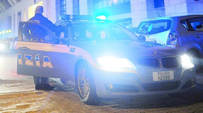 Sorpresi mentre rubano il gasolio dai bus, un arresto e una denuncia