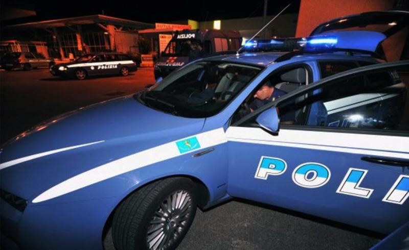 Ubriaca alla guida, sputa e inveisce contro i poliziotti