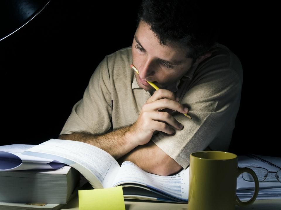 Studio e lavoro: due modi diversi di vivere la propria giovinezza