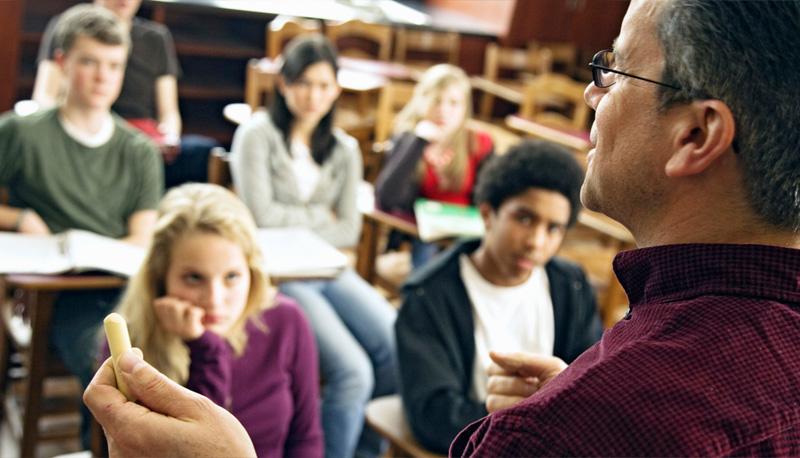 Studenti e professori: rapporti diversi di stima, di rifiuto, di ribellione o di amicizia