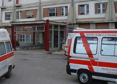 Perde il controllo in pronto soccorso e rompe il naso a un'infermiera. Denunciato un avezzanese