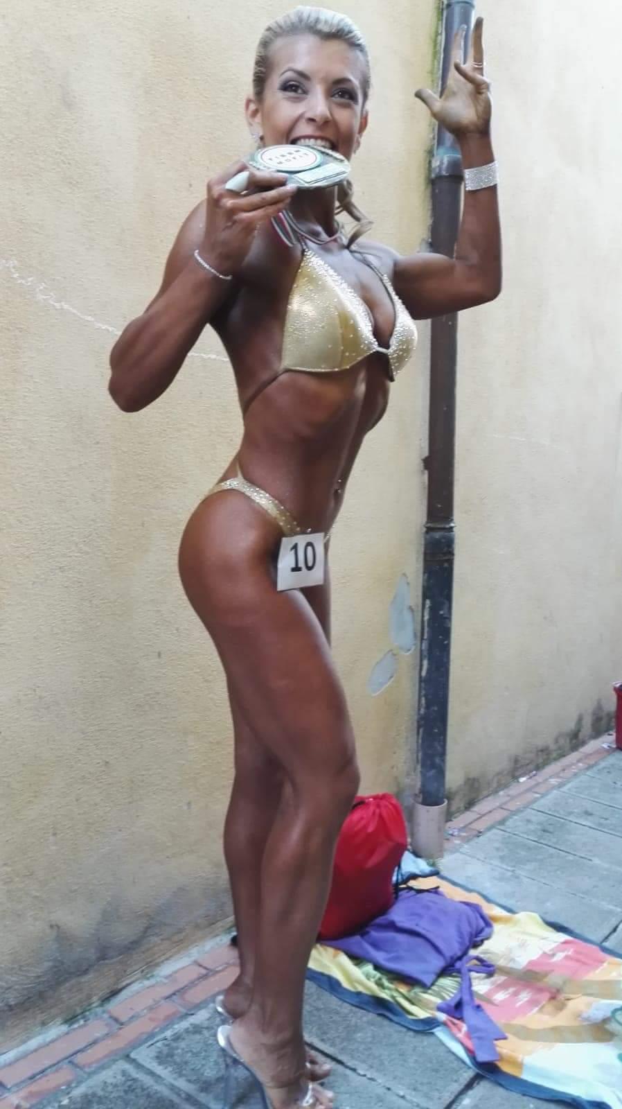 La bodybuilder marsicana Stefania Scorretti conquista il primo posto ai Campionati Europei FIBBN-NGA di natural bodybuilding