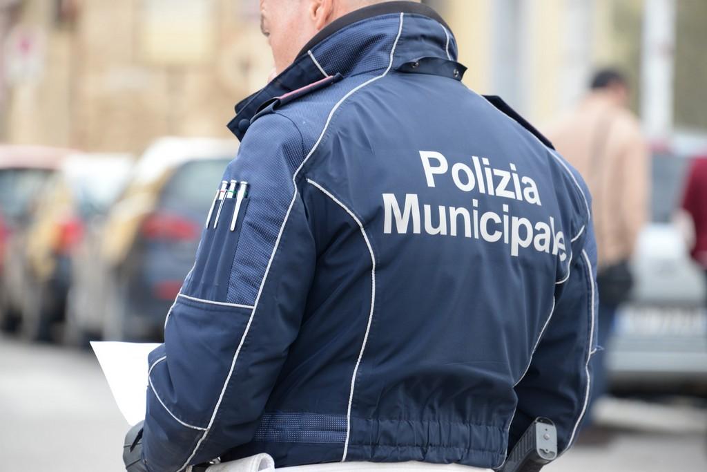 Semina il panico in Piazza Matteotti, denunciato
