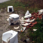 Carsoli, scempio in località Golfarolo, abbandona rifiuti. Trovato il responsabile