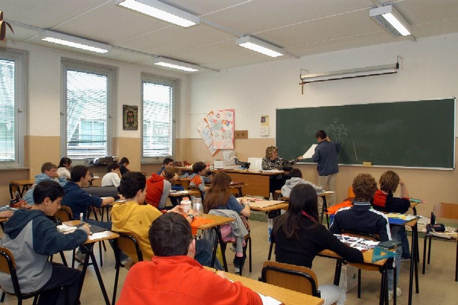 Gioia dei Marsi, le elementari spostate a Casali d'Aschi. La protesta dei genitori