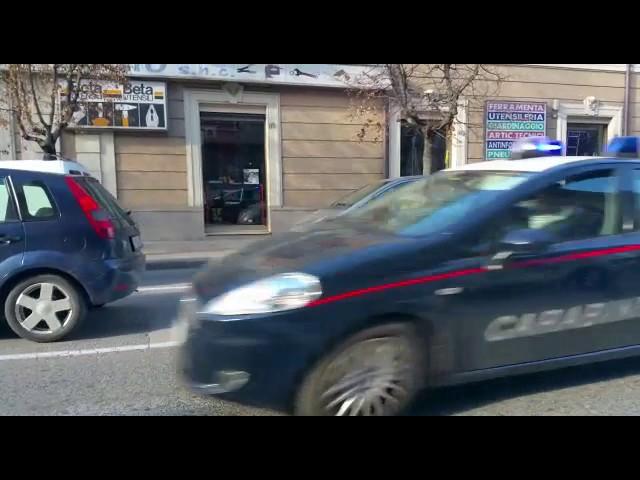 Ubriachi, drogati e senza patente rubano un'auto e si schiantano in una rocambolesca fuga