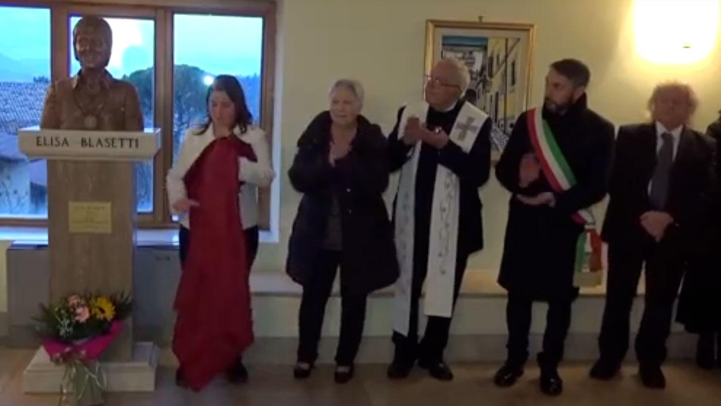 """Elisa Blasetti """"svelata"""" al Talia di Tagliacozzo, il coro Luigi Venturini ricorda la fondatrice nel ventennale della scomparsa"""