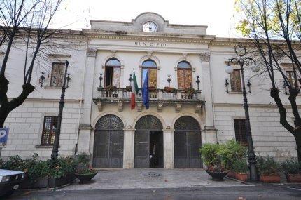 Tagliacozzo, il Comune rientra in possesso dell'ex scuola elementare di Roccacerro. Emessa ordinanza di sgombero