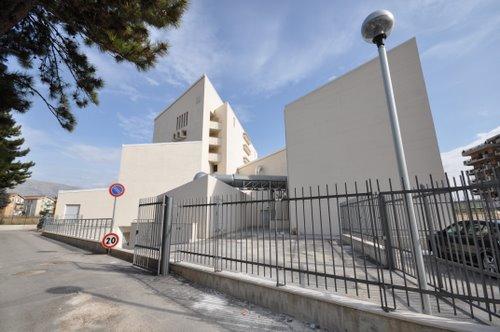 """""""La bellezza della legalità"""", incontro dibattito al Teatro dei Marsi con gli studenti del Liceo Scientifico"""