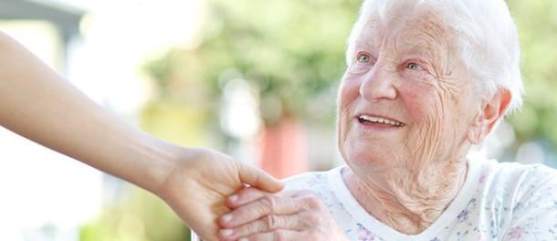 Anziani, stop a continui spostamenti arriva la telemedicina