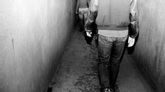 Arrestati tre giovani per stalking, minacciavano e aggredivano due coetanei