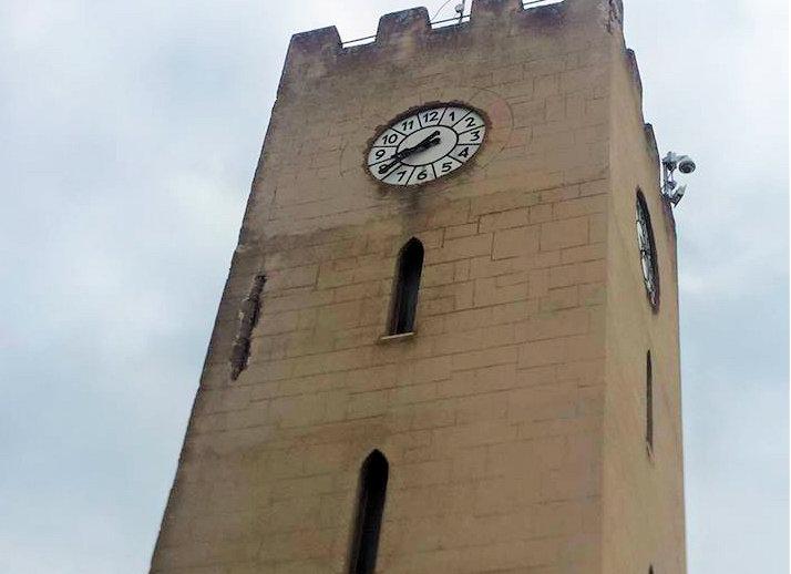 Ferita la Torre dell'Orologio di Aielli