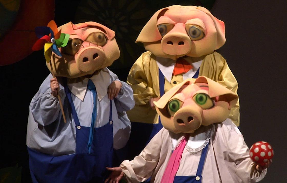 Spettacolo I Tre Porcellini al Teatro dei Marsi