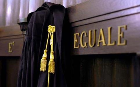 Atti persecutori nei confronti della ex moglie: revocato il divieto di avvicinamento