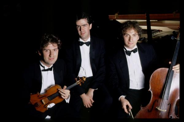 Grande attesa per lo spettacolo del Trio di Parma al Castello Orsini
