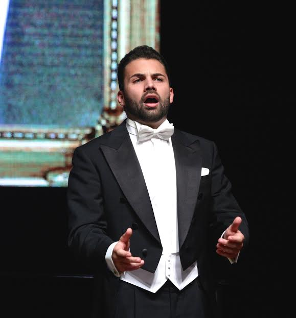 Standing ovation per il Tenore Mariani e Ensemble di Santa Cecilia
