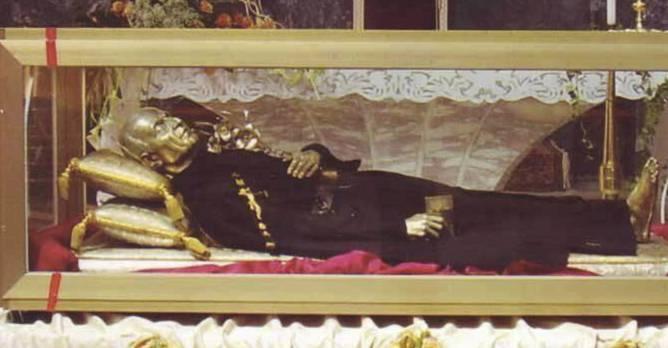 Venerazione Urna San Paolo della Croce a Trasacco in occasione del 60° Anniversario delle Suore Passioniste