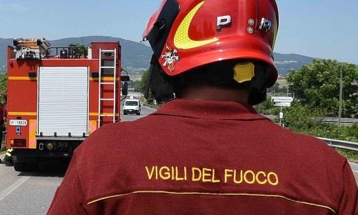 Incendio nella zona dell'interporto di Avezzano