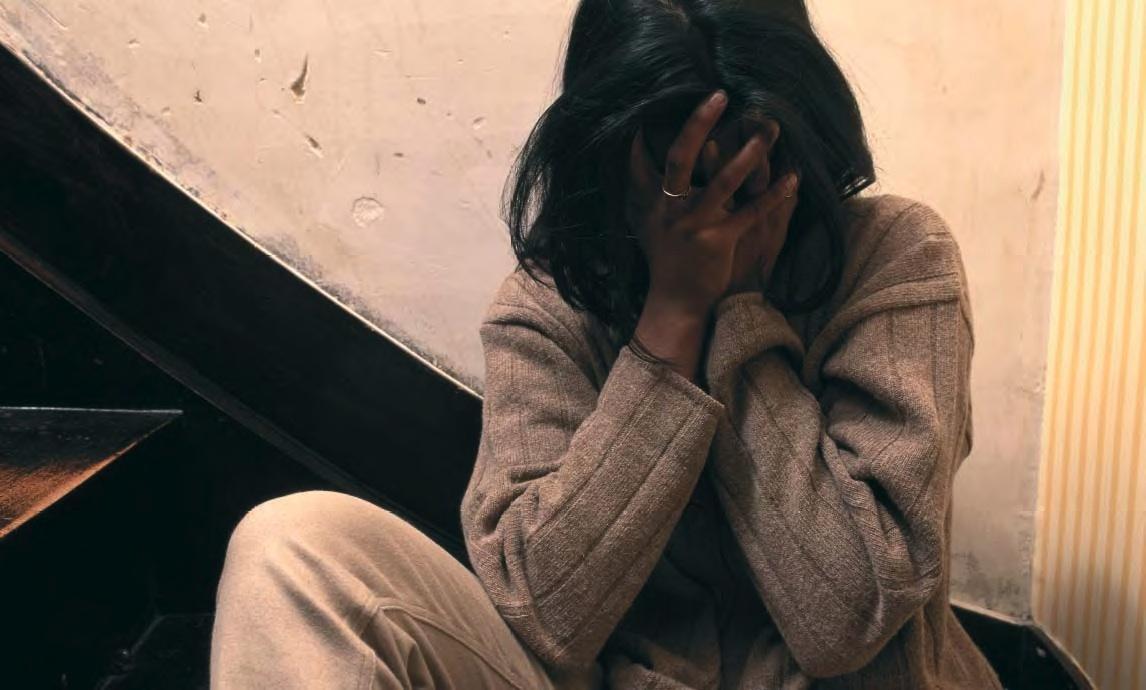Violenza sessuale ed estorsione ai danni della ex, giovane nei guai