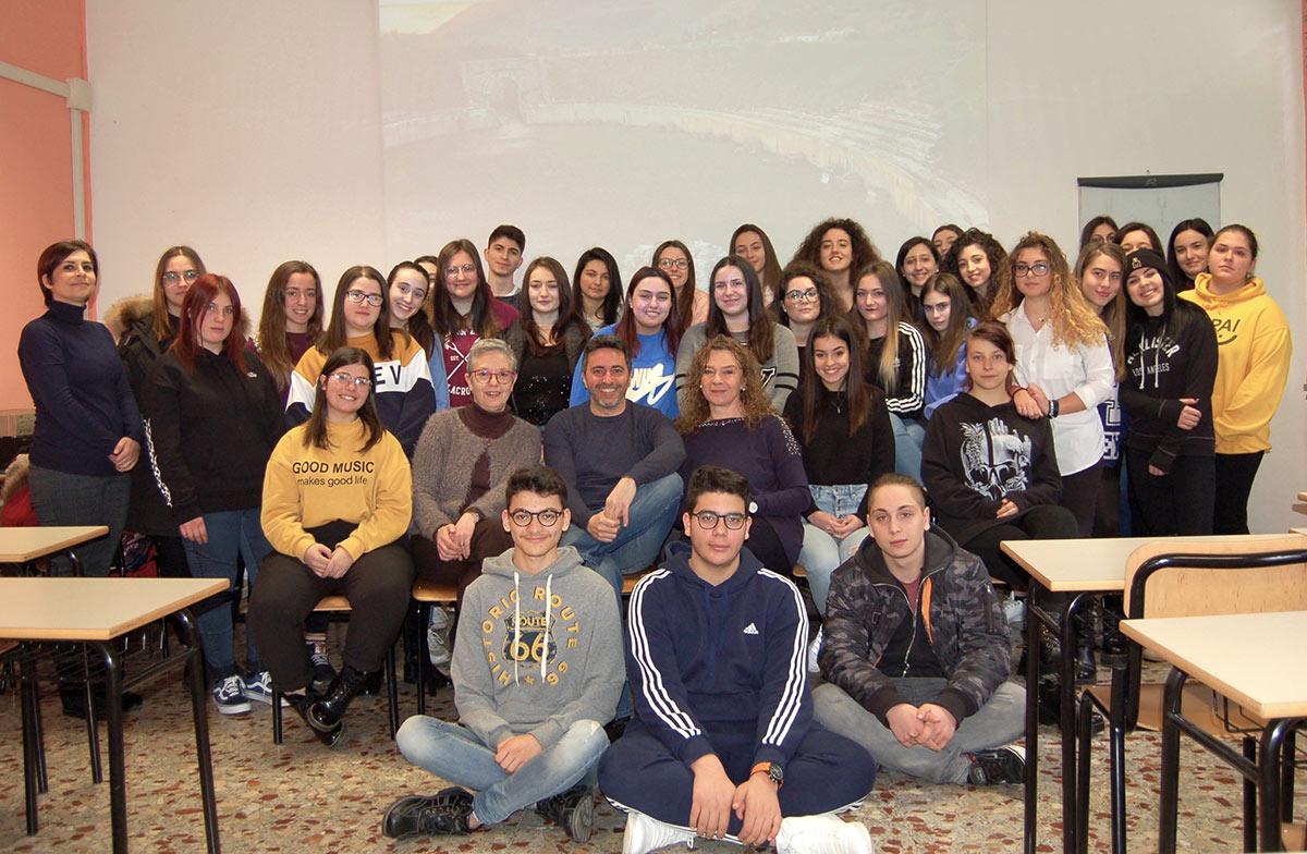 """Gli alunni del Liceo """"B. Croce"""" di Avezzano, l'Istituto Luce Cinecittà e MiBACT assieme nel progetto cinematografico """"Nuova Alba"""" di Corrado Oddi"""