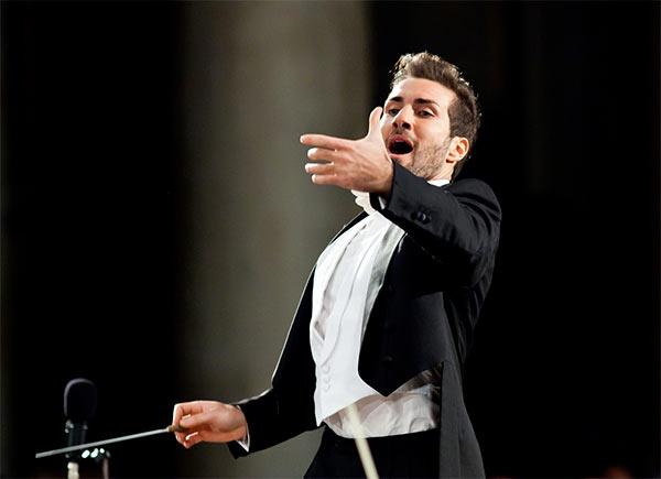 Jacopo Sipari e L'Orchestra Sinfonica Abruzzese in Tv la sera dell'Epifaniacon il Concerto di Sacrum Festival