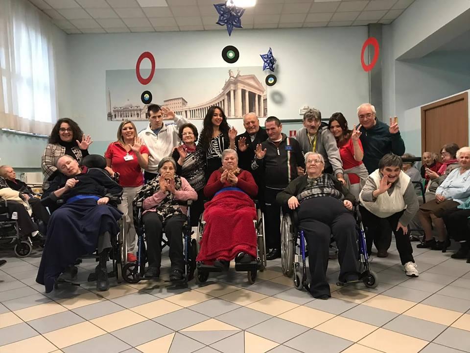 Domenica di ricordi e solidarietà al Don Orione con Miss Sorridi Con Noi