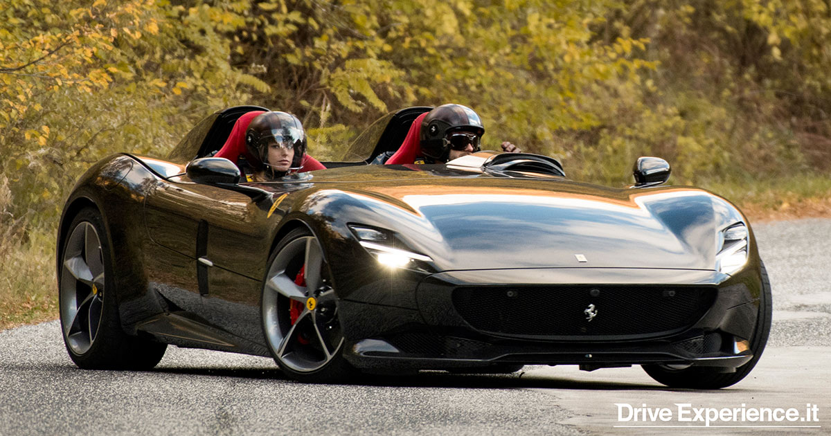 La Ferrari sceglie le strade d'Abruzzo per lo spot della sua nuova nata